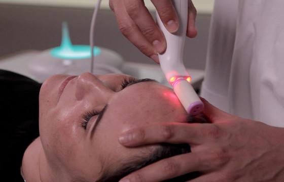 Bloomea - odmładzający zabieg na twarz, szyję i dekolt. Efekty jak po resurfacingu laserowym!